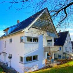 Erstbezug nach Modernisierung, helle 3-Zimmer Wohnung mit Balkon in Esslingen Sulzgries – vermietet