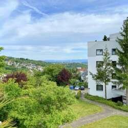 1,5 Zimmer Apartment mit Südbalkon und Stellplatz in beliebter Esslinger Halbhöhenlage -verkauft