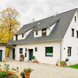 Wunderschönes Zweifamilienhaus in traumhafter Lage im Esslinger Nordosten – saniert